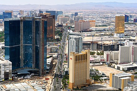 Construction on The Strip. (2009) Vegas Strip from Stratosphere.jpg