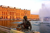 Versailles with fountain.JPG