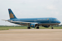 Vietnam Airlines A320-200 VN-A301 SGN 2007-8-12.png
