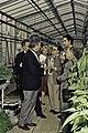 Visite de Mr Bichat et du secrétaire d'état à la recherche à l'INRA de Versailles-24-cliche Jean Weber.jpg