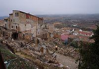 Vista general de la calle Mayor. Pueblo viejo de Corbera de Ebro.JPG