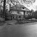"""Voorgevel """"Vijverhof"""" - Bloemendaal - 20036281 - RCE.jpg"""