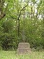 Wallers-en-Fagne (Nord, Fr) croix de chemin, route de Baives.jpg