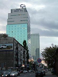 La torre Pekao, sede legale della banca, a Varsavia