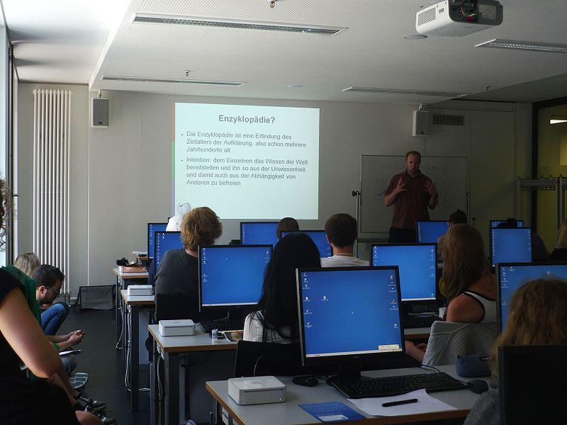Während eines Workshops. Foto: Elly Koepf (WMDE)