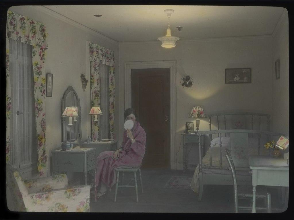 File:Woman in bedroom, 1930s (15470517465).jpg - Wikimedia ...
