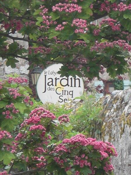 File Yvoire Jardin Cinq Sens Wikimedia Commons