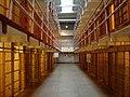 Zellentrakt in Alcatraz.jpg