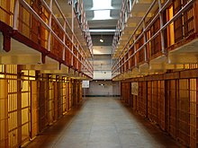 Photographies de plusieurs cellules de la prise d'Alcatraz en Amérique
