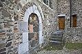 Zijgevel met dichtgezette doorgang, het Noormannenpoortje. Voorbeeld van hergebruik van Romeins bouwmateriaal - Asselt - 20429590 - RCE.jpg