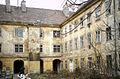 Zu den 3 gr Kronen Innenhof.jpg