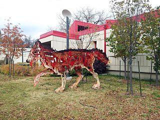 Fileentre Chien Et Loup Public Art Piece At Jardin De