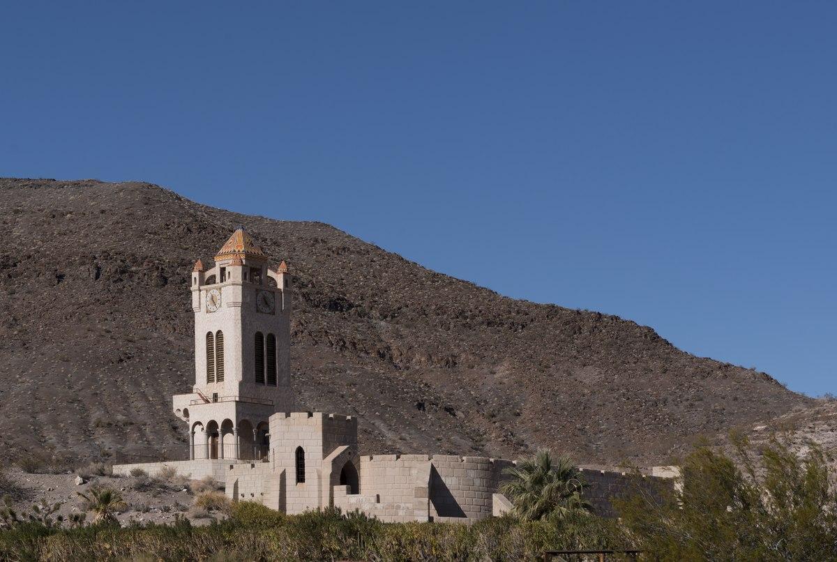 "File:""Scotty's Castle"" in Death Valley, California ..."