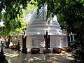 Буддизм (Gangaramaya Temple) - panoramio.jpg