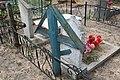 Кладбище села Солдатское на Пасху 2014 35.JPG