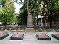 Меморіальне кладовище по провулку Миру 3.jpg