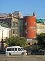 Московский 17, главное здание, башня во дворе.jpg