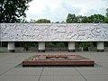 Стела на площади Памяти Героев.jpg