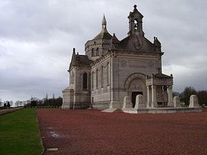 Notre Dame de Lorette - Image: 033 Notre Dame de Lorette, Souchez, France