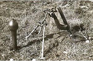 20 cm leichter Ladungswerfer - Image: 1 1spigot 3 zps 101f 5ef 6