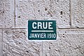 1910 Flood Level Sign on Wall, Rue Chanoinesse, Paris - Close up.JPG