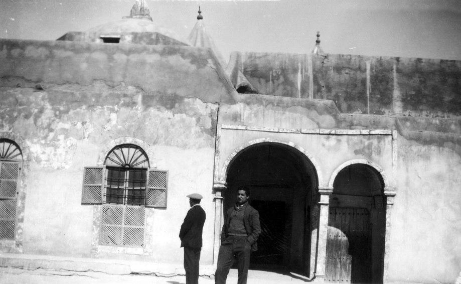 1933 מסע תמרים לעיראק מוסול נינווה ליד קבר יונה הנביא - iבן ציון ישראל btm11296.jpeg