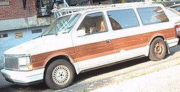 1990 Chrysler Town & Country.jpg
