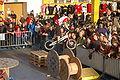 2009-11-28-fahrrad-stunt-by-RalfR-21.jpg