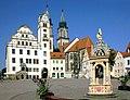 20090503010DR Oschatz Neumarkt Rathaus Aegidienkirche Brunnen.jpg