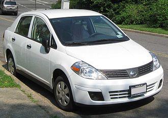 Nissan Versa - Image: 2009 Nissan Versa 1.6 05 31 2010