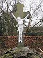 20110226-015 Nederasselt - Kruisbeeld op het kerkhof van de Heilige Antonius Abtkerk.jpg