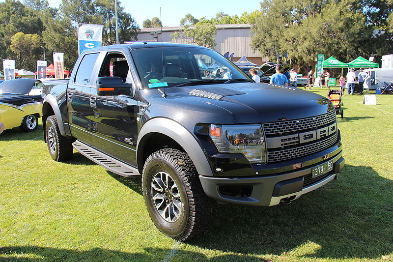 File:2014 Ford F150 Raptor Pickup (20559176614).jpg