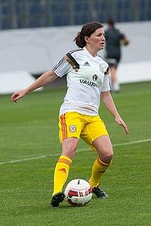 Helen Ward (footballer)
