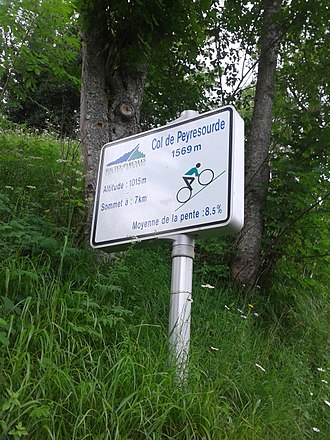 Col de Peyresourde - Image: 2015 Mountain pass cycling milestone Col de Peyresourde Armenteule