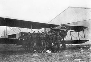 Parois Airdrome - Pilots of the 99th Aero Squadron in front of a squadron Salmson 2A2 reconnaissance aircraft