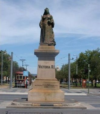 Victoria Square, Adelaide - Statue of Queen Victoria (pictured pre-2007), erected in the centre of the square in 1894