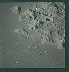 AS16-119-19142 (21372717594).jpg