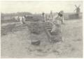 Abaye de Sainte-Marie-du-Mont - Pose d'un Decauville pour les travaux de terrassement.png