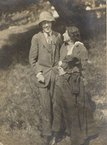 Photograph of Adrian Stephen with his wife Karin Costelloe in 1914, the year they were married