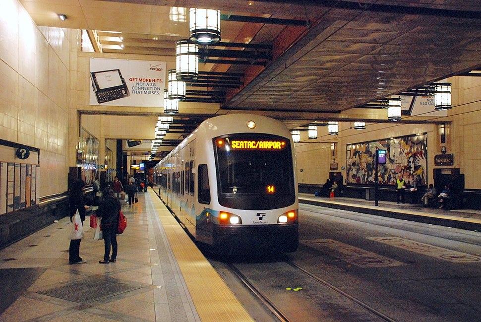 Airport-bound Link train at Westlake Station (2010)