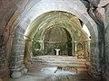 Altar da igrexa de San Pedro de Rocas.jpg