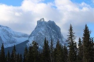 Windtower (Alberta) Mountain in Alerta, Canada