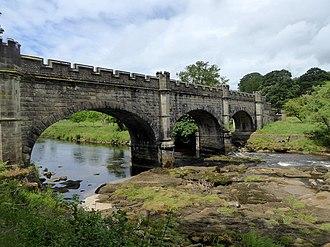 Nidd Aqueduct - Image: Aqueduct spanning the River Wharfe (geograph 5819365)