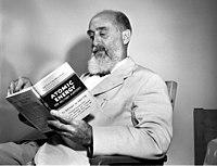 Arnold Vos Dias Oak Ridge 1947 (26081494247).jpg