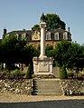 Arques-la-Bataille gedenkteken aan de gevallenen.jpg
