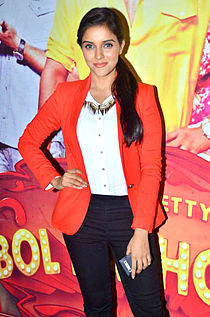 Asin 'Bol Bachchan' team on the sets of Taarak Mehta Ka Ooltah Chashmah 03.jpg