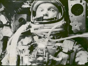 English: Astronaut John Glenn photographed in ...