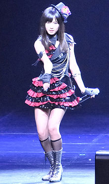 前田敦子在2010年于洛杉矶所举行的Anime Expo(AX2010)中登台演出