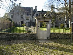 Avebury Manor - geograph.org.uk - 429573.jpg