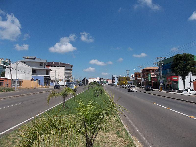 File:Avenida Prefeito Evandro Behr. Camobi.jpg